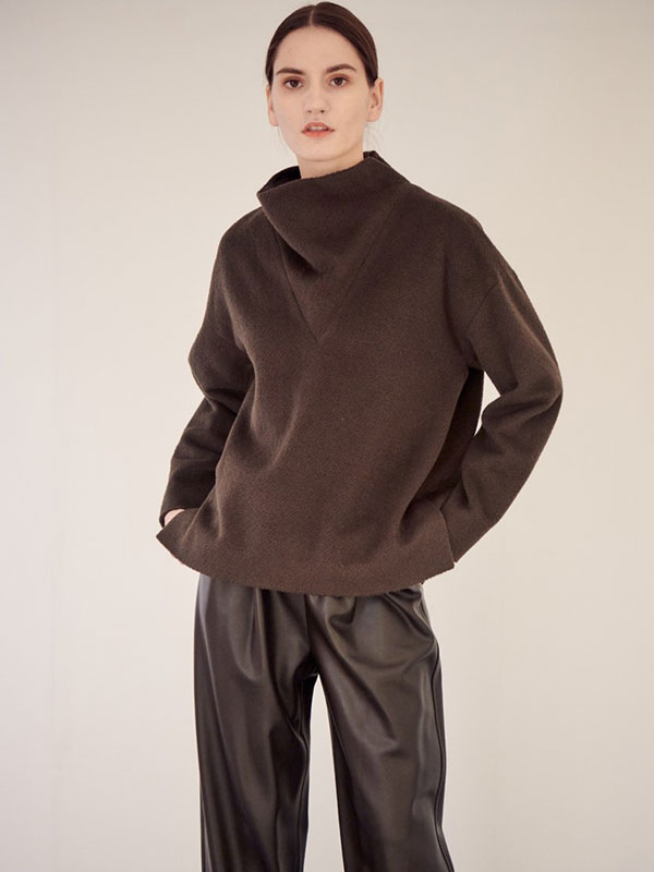 LOOSE HIGH COLLAR WOOL TOP_BROWN